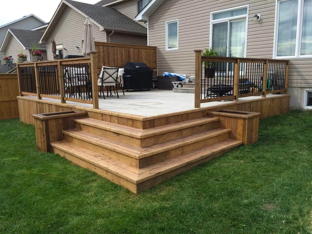 fence and deck installations complete