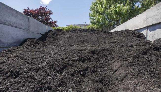 enhanced black mulch