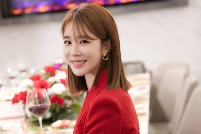 Yoo In Na Sebagai Kang Ah Reum (Sumber : Soompi)