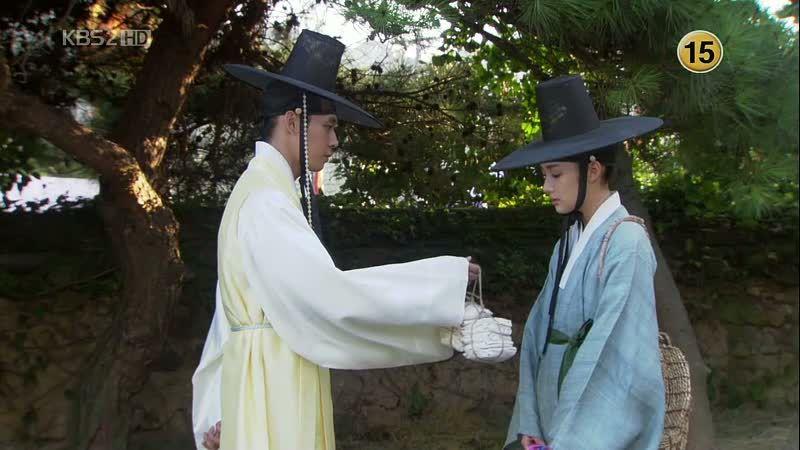 Kim Yoon Hee yang menyamar dalam drakor pertukaran gender (Sumber gambar: Dramabeans)