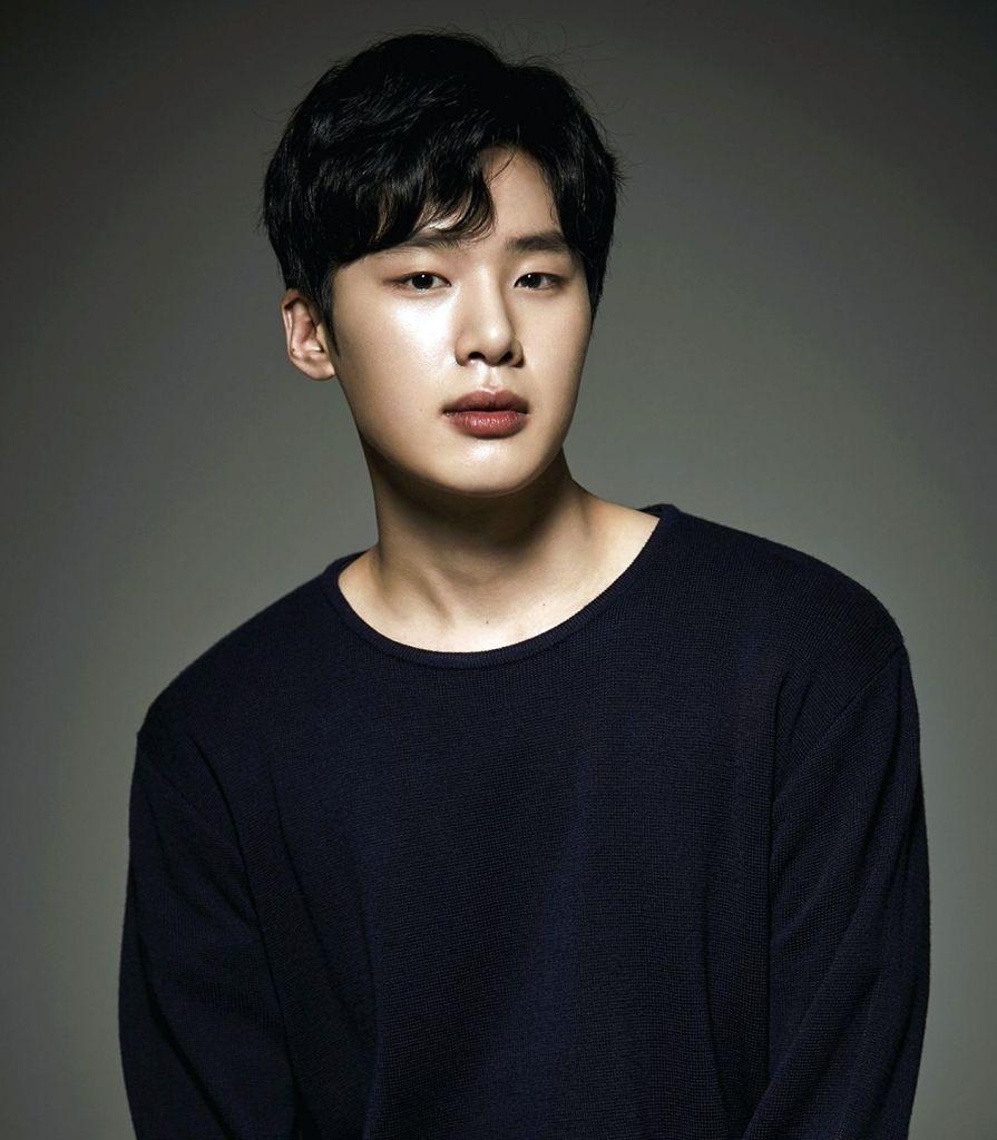 Kim Dong hee 2