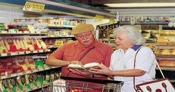 blog picture of elderly couple grocery shopping