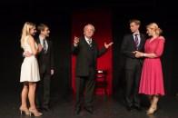 Gertrude und Robert Chiltern, Lord Caversham, Lord Goring und Mabel Chiltern, Foto Alexander Zipes