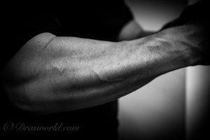 前腕に疲労が蓄積すると怪我をしやすくなる。テニス肘からリスクを回避する方法