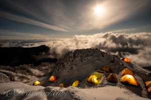 冬の燕岳で広角単焦点レンズ サムヤン12mm F2.0 NCS CSで夜景撮影してみた