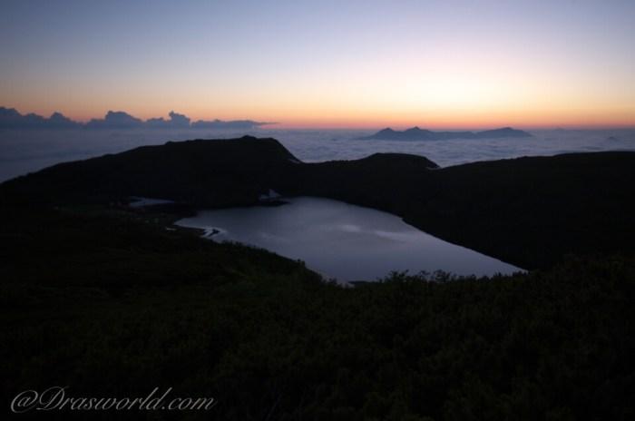 小蓮華岳へ向かう稜線から眺める白馬大池