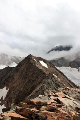 Stubaier Höhenweg oben an einem Grat