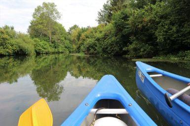 Kanus auf dem Wasser