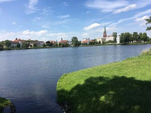 Blick vom Schlossgarten auf die Schweriner Altstadt