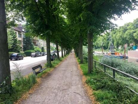 Radweg am Eilbekkanal auf der Radtour in Hamburg