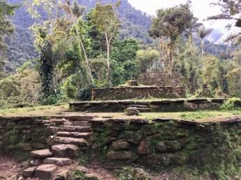 """Terrassen in der Verlorenen Stadt (""""Ciudad Perdida"""") in Kolumbien"""