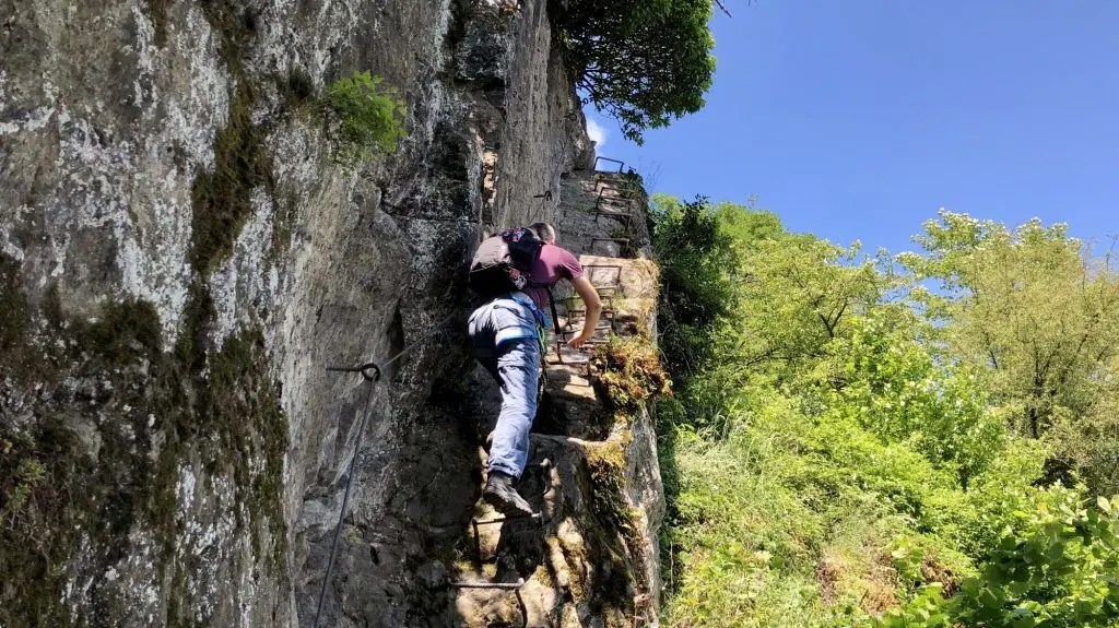 Klettersteig Nochern : Wandern und klettern auf dem mittelrhein klettersteig bei boppard