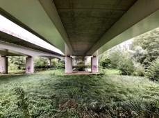 Unter der Wakenitz-Brücke der Autobahn A20