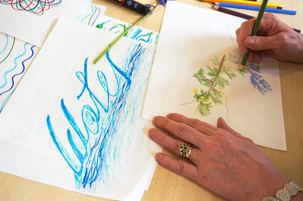Springy summery leaves and rippling water at Clydebank art group 🌿🌞🌸