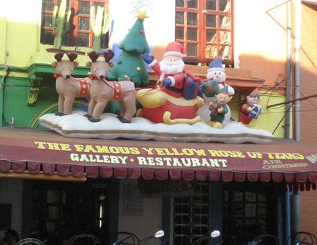 Christmas in Iquitos, cognitive dissonance