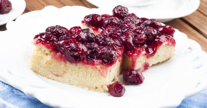 Cherry Sour Cream Cake – 12 Tomatoes