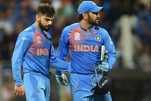 Why Captain MS Dhoni Ran Out of Option in the Death Overs?  Why Captain MS ...