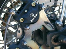 Der Bremszangenhalter ist selbst gefertigt