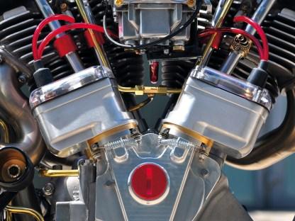 Zwei Morris-Magnetos versorgen je zwei Zündkerzen pro Zylinder