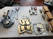 """Der """"Stage-II""""-Kit (ganz rechts im Bild die drei Nockenwellen) ist nicht einfach einzubauen, man braucht Spezialwerkzeuge dazu. 450,– Euro kostet der Einbau, nicht die Welt für den anfallenden Aufwand"""