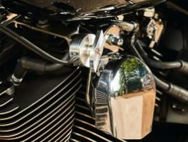 Dieser Verstellhebel verrät Kennern, dass auf der anderen Seite des Bikes eine Auspuffanlage von Penzl sitzt