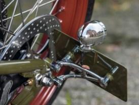 Die Liebe zum Detail zeigt sich an allen Ecken des Bikes – auch an dem sorgsam gefertigten, stabilen Kennzeichhalter