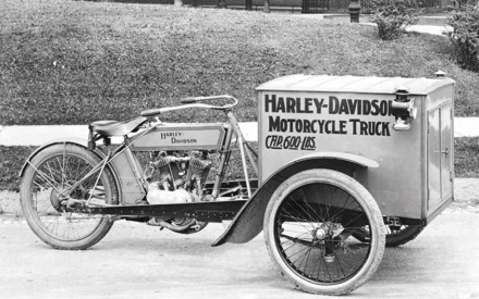 Harley-Davidson Motorcycle Truck