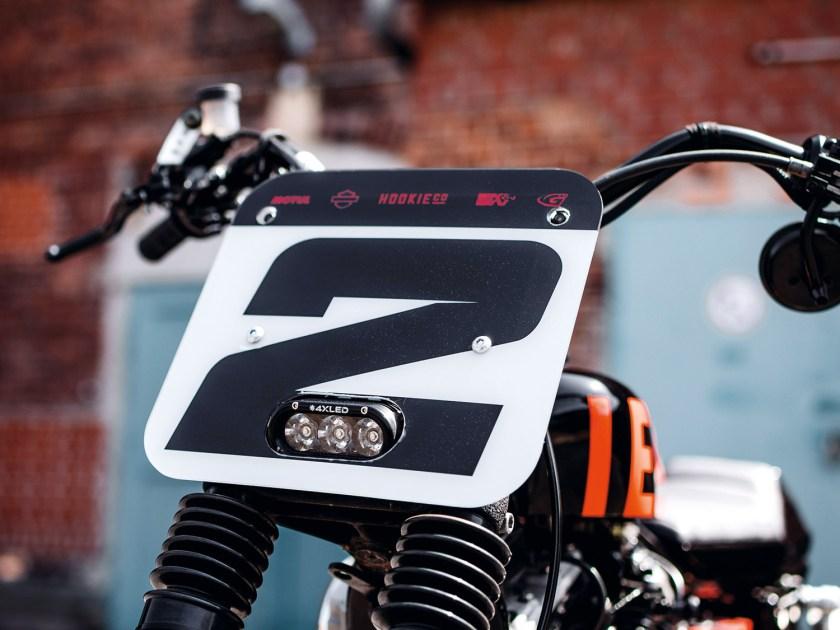 Harley  Sportster XL 883 – Tasmanischer Teufel