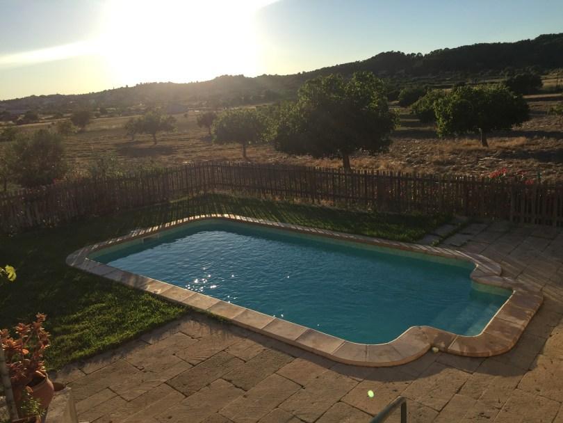 Finca Pool Mallorca Sonnenuntergang