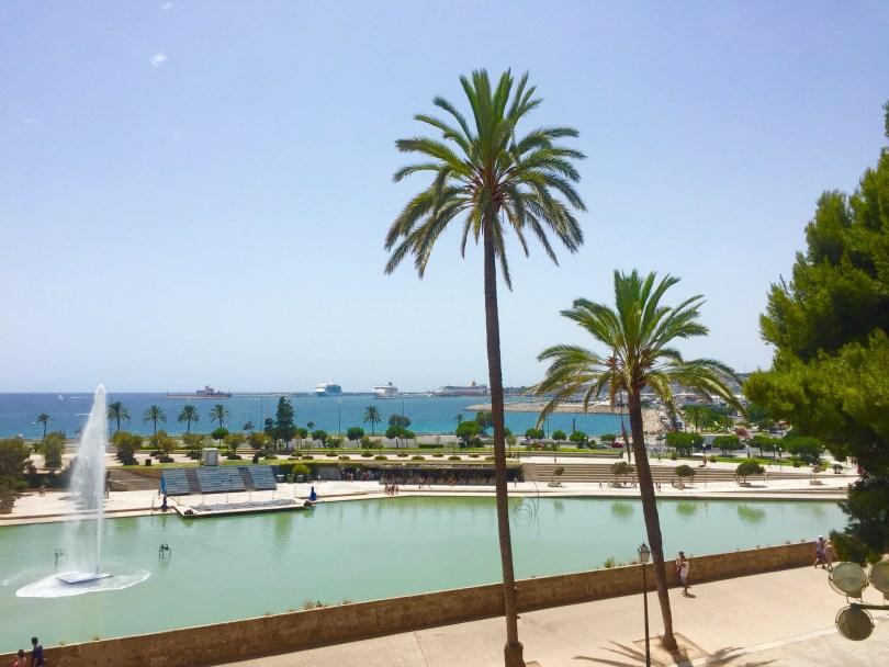 Palma de Mallorca Palmen Springbrunnen