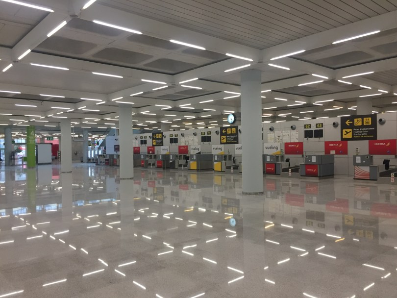 Flughafen Mallorca Palma de Mallorca leere Gänge