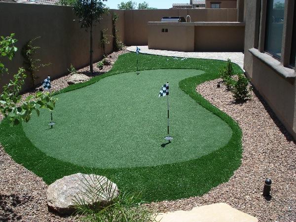 custom putting greens backyards