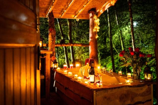 Dreamcatcher Cabins marketing photography. Badger's Sett at night.