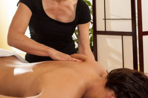 deep tissue massage, massage for back pain, Dreamclinic Massage for Bellevue and Redmond