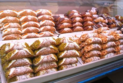 Sicilian canoli calling your name!