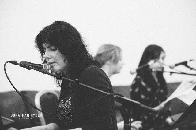 Roisin Whyte and the Murphy Sisters performing at the Sofa Sessions (photo by Jonathan Ryder)