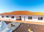 For-Holiday-Rent-Five-Bedroom-Villa-Terrace-Ocean-View-Swimming-Pool-Garden-BBQ-Tijoco-Bajo35