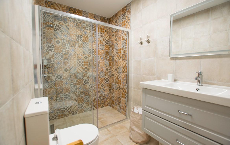 For Holiday Rent Two Bedroom Apartment in Puerto de Santiago Bathroom Estate Dream Homes Tenerife