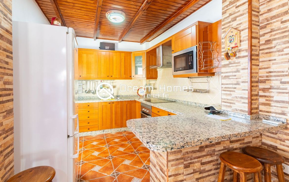 3 Bedroom Apartment in Alcala Kitchen Real Estate Dream Homes Tenerife