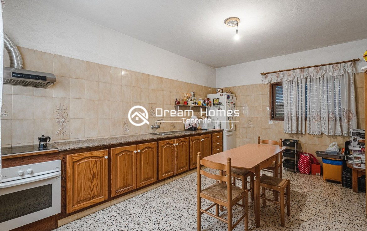 Family home in Cabo Blanco Dining Area Real Estate Dream Homes Tenerife