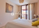Modern One Bedroom Apartment with Pool Terrace (13)