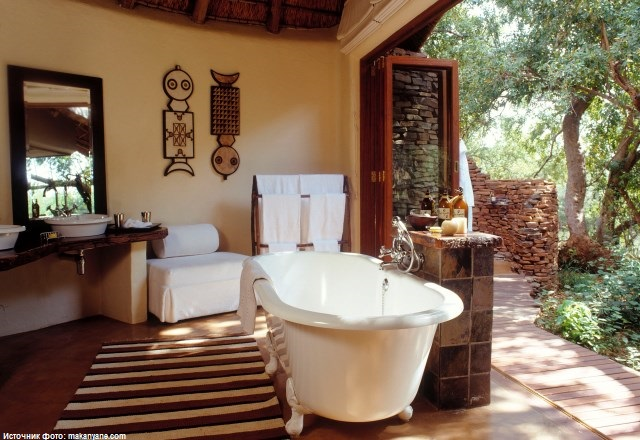 Ванна в сьюте отеля Makanyane Safari Lodge