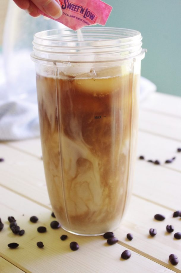 65 Calorie Skinny Caramel Vanilla Blended Iced Coffee Recipe -1 packet artificial sweetener