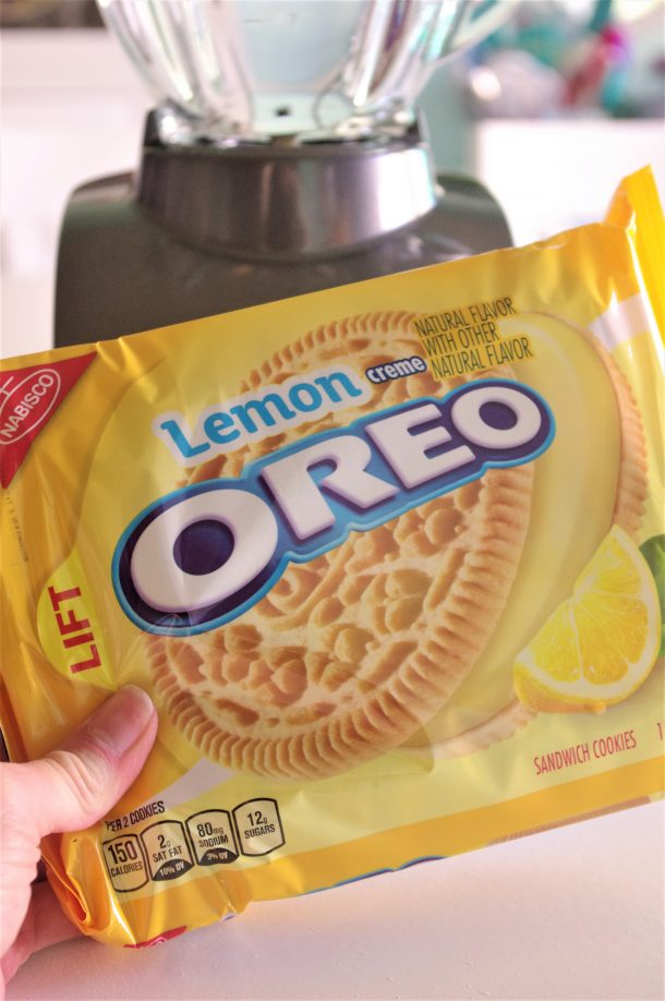 Lemon Oreos for the Crust - Lemon Sour Cream Cheesecake Layered Bars Recipe via Dreaming in DIY