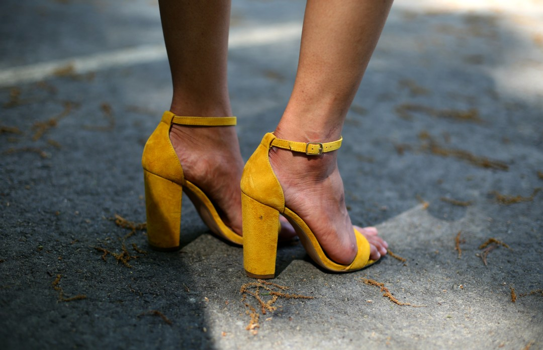 steve-madden-CARRSON-heels-yellow