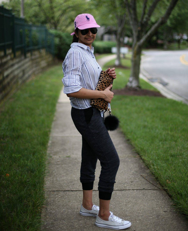jogger-pant-shirt-sneakers-trend