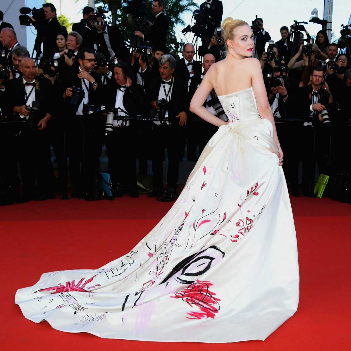 20 Best Cannes 2017 Red Carpet Looks - Elle Fanning in Vivienne Westwood Couture