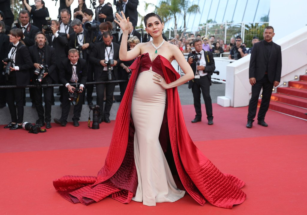 Araya Hargate Maternity Fashion Cannes 2017 I Alexis Mabille Couture
