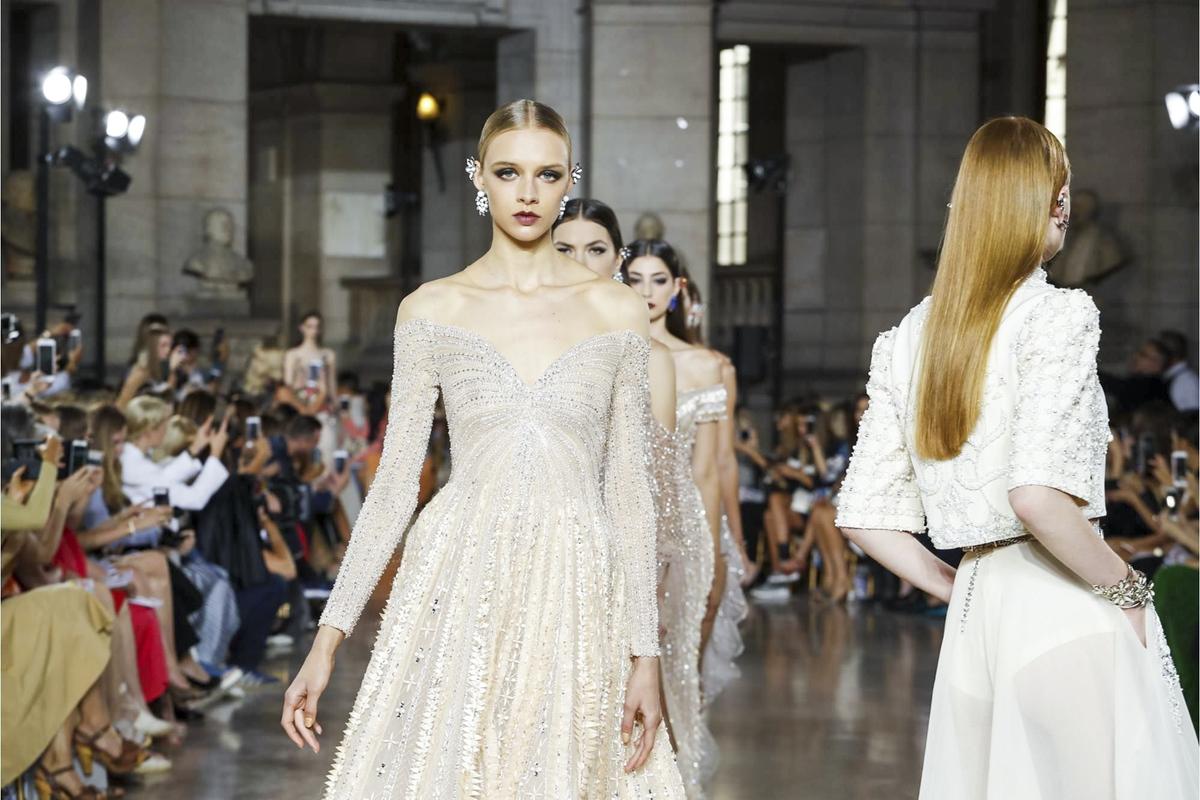 Georges Hobeika Fall 2017 Couture Runway I Paris Fashion Week