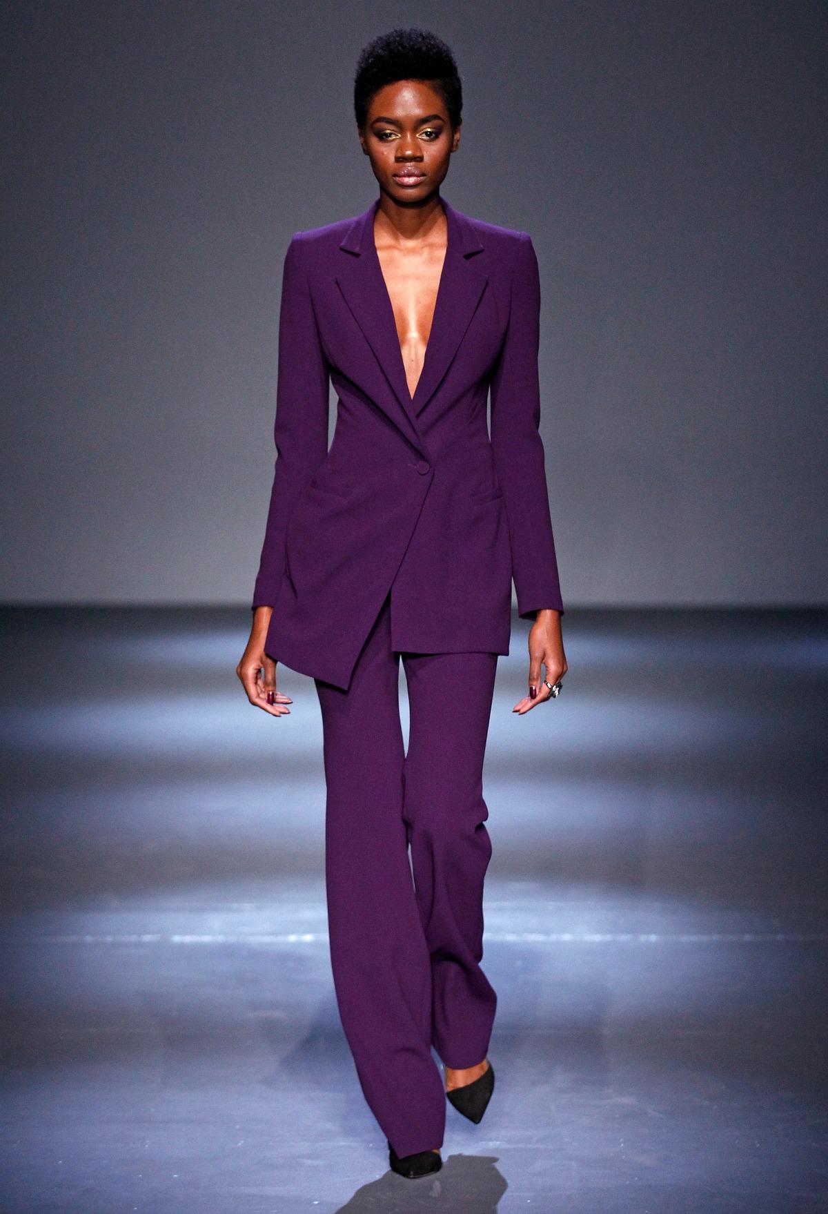 Pamella Roland Fall 2018 Runway I Amethyst Purple Power Suit #NYFW #FallFashion